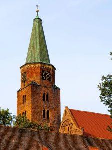 Dom Turm im Abendlicht