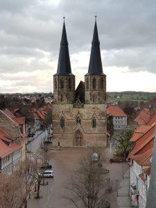 Ausblick vom Turm auf die Basilika St. Cyriakus